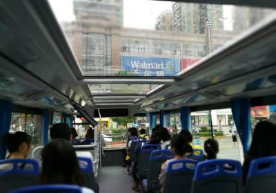 宜昌环城观光巴士今天起9点夷陵广场发车,执行新线路