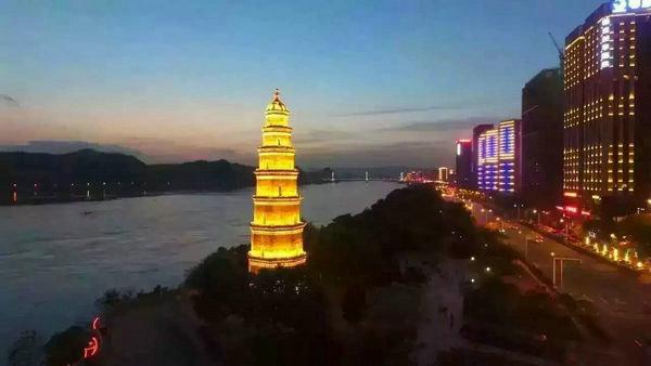 宜昌夜游天然塔图