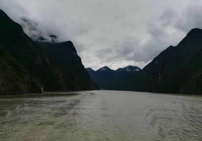 湖北十大最具影响力景区公布,宜昌三峡大坝三峡人家清江画廊入选