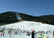 宜昌到神农架滑雪+房县天悦温泉二日游,体验冰火两重天