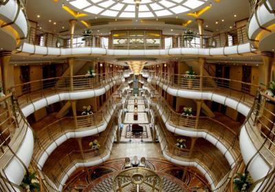 宜昌到重庆的三峡旅游豪华游轮哪些有游泳池,是否免费