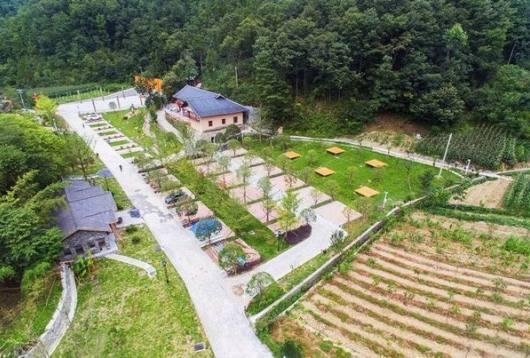 宜昌五峰苏家河月亮湾露营地