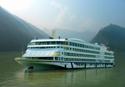 2020年春节皇家星光号、皇家盛世号游轮宜昌到重庆航线行程 春节乘皇家游轮游三峡
