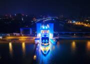 2020宜昌长江夜游,乘坐三峡八号游轮游长江夜景,过葛洲坝船闸