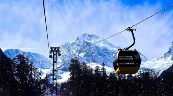 绿葱坡滑雪场索道