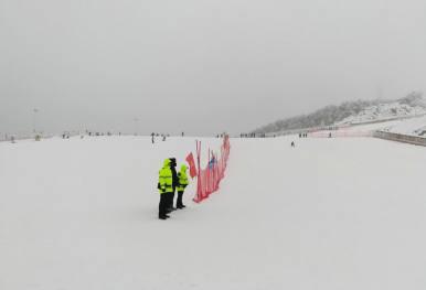 宜昌五峰国际滑雪场12月7日开业跟团游特价二日游仅需199元