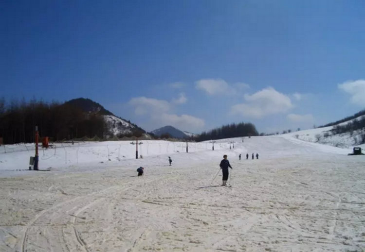神农架中和滑雪场