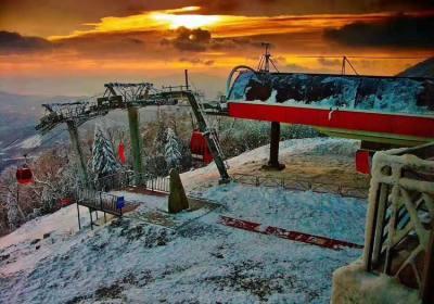 湖北滑雪新胜地绿葱坡滑雪场,感受鄂西屋脊恩施巴东绿葱坡雪景