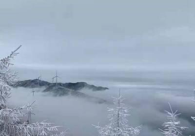 冬季到宜昌五峰国际滑雪场独岭看雪滑雪