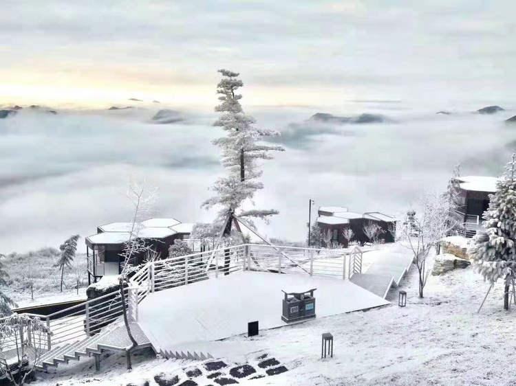 独岭云顶酒店雪景