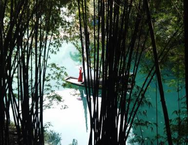 第十二届中国长江三峡国际旅游节在宜昌开幕,主题为壮美三峡诗画宜昌