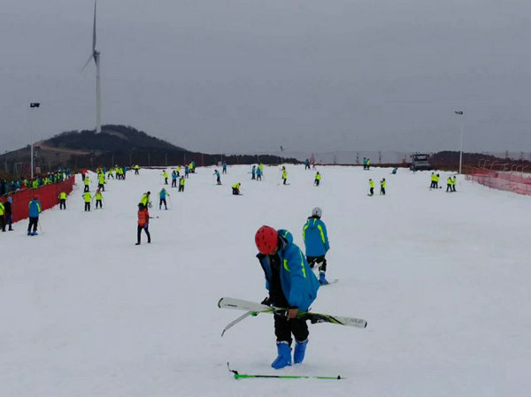 冬季游宜昌,来百里荒滑雪赏雪