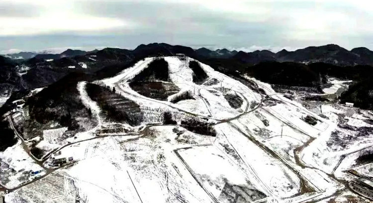 绿葱坡滑雪场12月18日开业,感受鄂西屋脊恩施巴东绿葱坡雪景