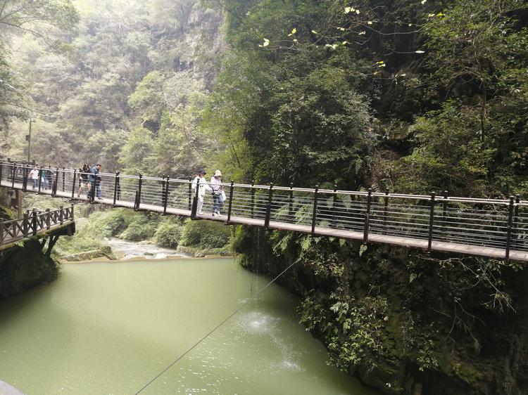 三峡大瀑布金狮洞情人泉景区2021年4月1日恢复开放